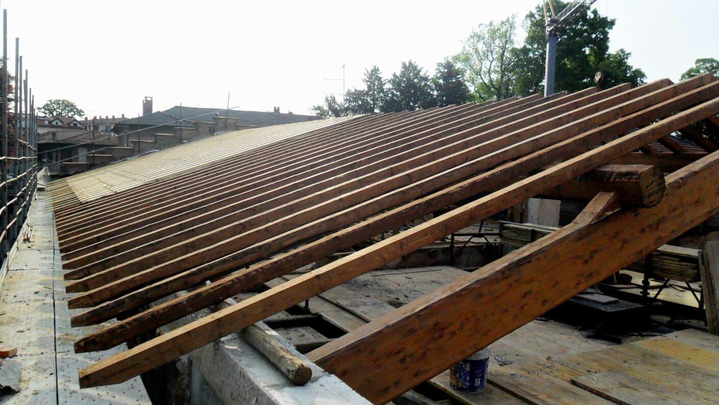 I lavori di restauro del Museo Fisogni - Assi tetto