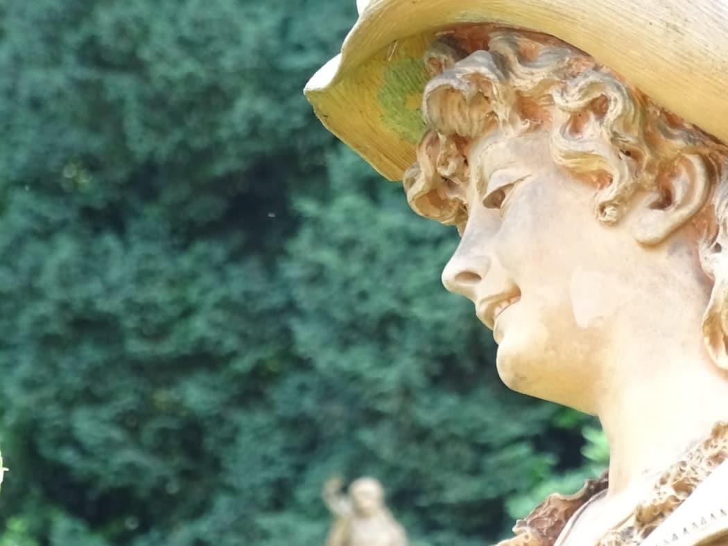 Spazi Museo, Statua esterna